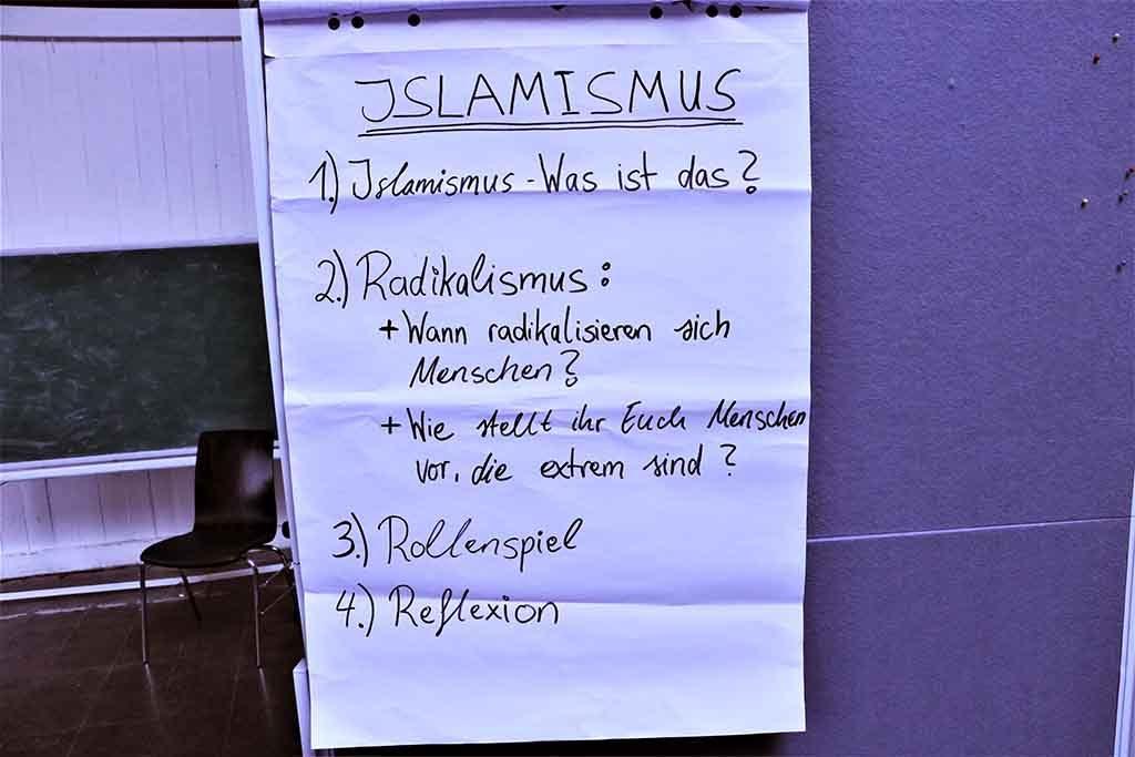 Ein Flipchart zum Thema Islamismus.